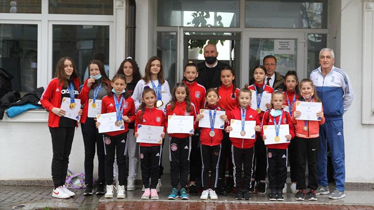 """Kreu i Vitisë vlerëson lartë sukseset e Klubit të Gjimnastikës """"Halil Alidema"""""""
