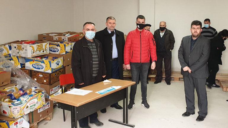 """SHHB """"Bereqeti"""" në Gjilan  shpërndanë pako ushqimore për 60 familje me jetimë"""