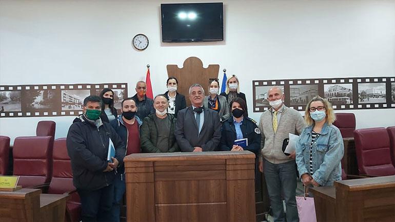 Komiteti për komunitete shprehet i kënaqur që problemi i fshatit Shillovë me kafiteritë është zgjidhur