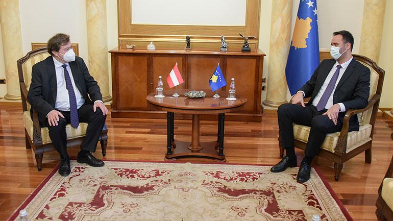 Kryeparlamentari Konjufca takoi ambasadorin e Austrisë, Christoph Weidinger