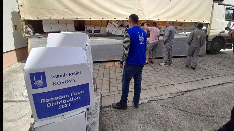 "Gjilani pranon 200 pako ushqimore nga shoqata ""Islamic Relief Kosova"""