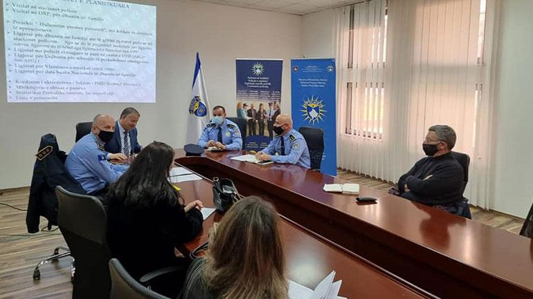 """Policia e Kosovës mban takim koordinues/analizues rreth rasteve të """"dhunës në familje"""""""