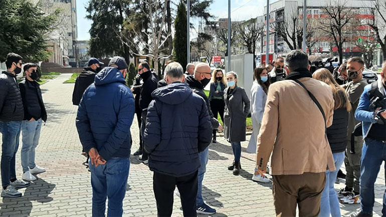 Protestojnë pronarët e bizneseve që operojnë në Qendrat Tregtare, kërkojnë trajtim të barabartë