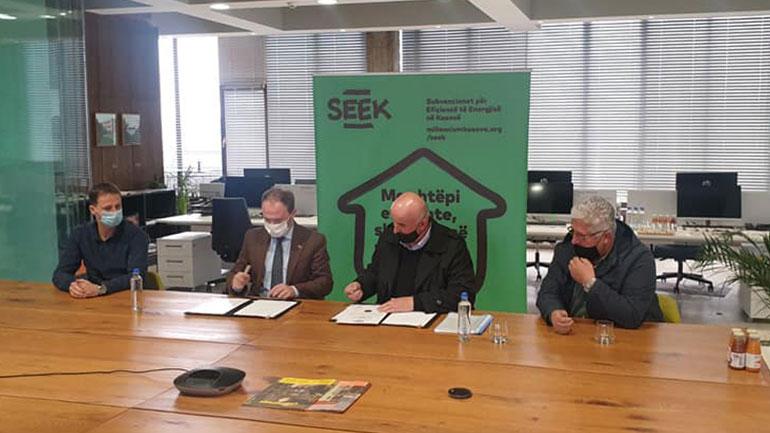 Vitia nënshkroi memorandum bashkëpunimi me SEEK-un për efiçiencë në ndërtesa banimi