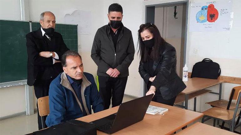 Kurteshi-Emini: Pavarësisht vështirësive, mësimdhënësit po bëjnë përpjekje të jashtëzakonshme për të arritur objektivin