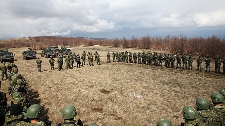 """Ministri Mehaj përcjellë nga afër operacionet stërvitore të Regjimentit të Parë të Këmbësorisë në UF """"Iron 1 Alfa"""""""