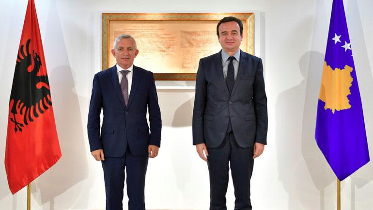 Kryeministri Kurti priti në takim ambasadorin Minxhozi