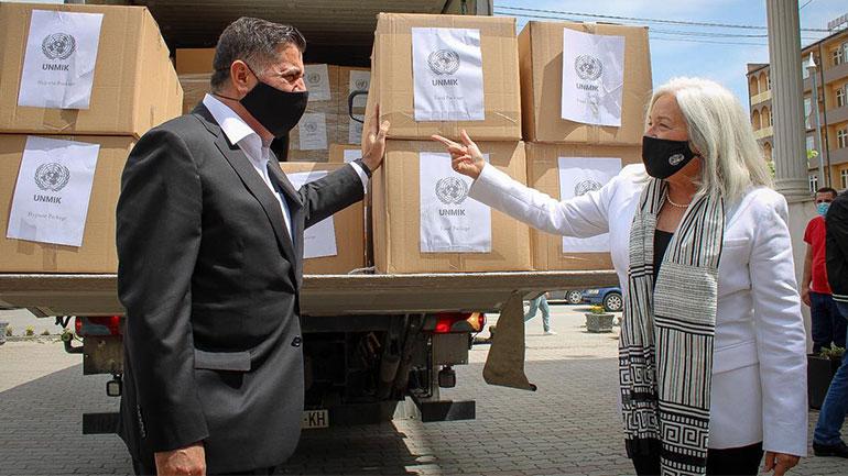 Gjilani pranon 133 pako ushqimore dhe higjienike nga Zyra e OKB'së