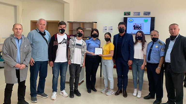 """Mirënjohje për Policinë e Kosovës nga Këshilli i Nxënësve të Shkollës së Mesme """"Xhavit Ahmeti"""""""