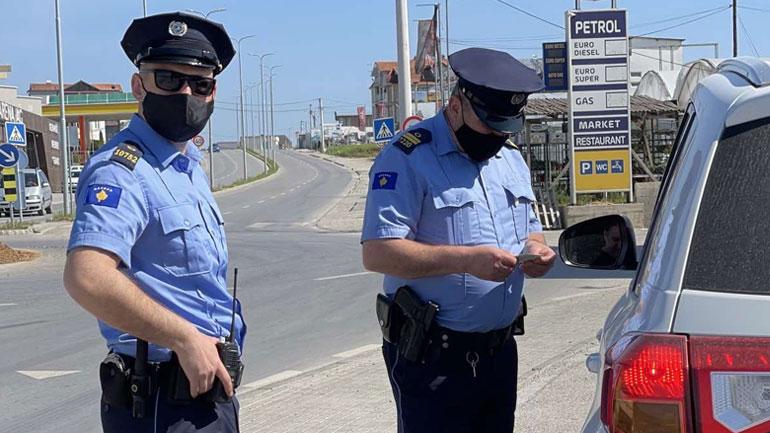 Policia: Brenda 24 orëve, 73 aksidente dhe 1 mijë e 300 gjoba trafiku