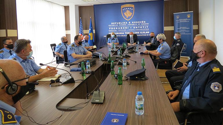 Kryeprokurori Kadriu priti në takim drejtuesit e Policisë së Kosovës për rajonin e Gjilanit