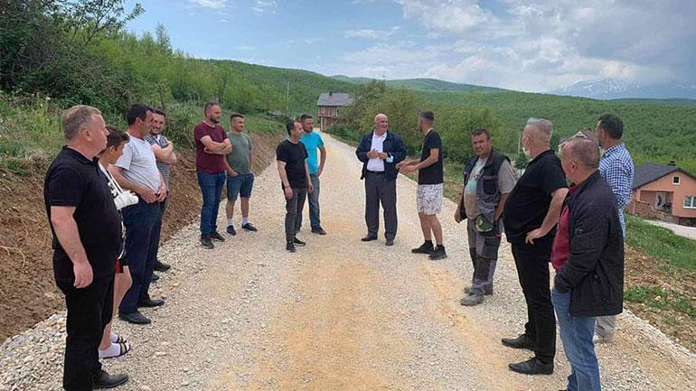 Asfaltohen rrugë të lagjeve në lokalitete të ndryshme të komunës së Vitisë