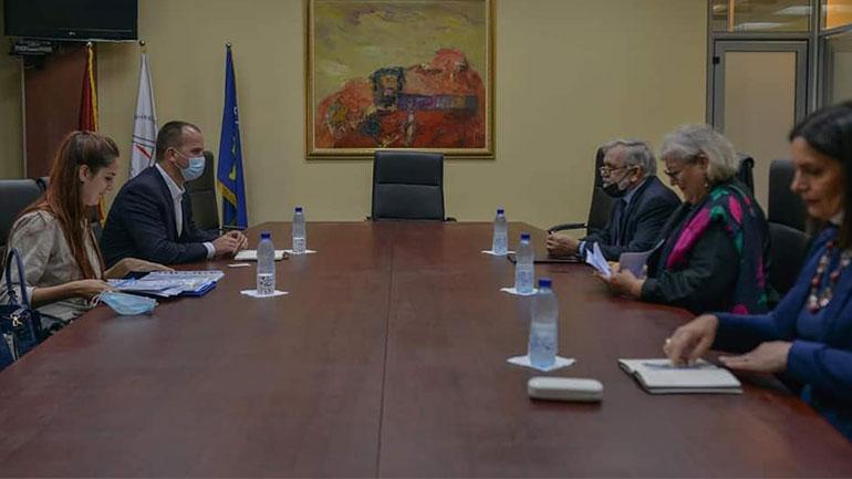 Kryetari i Kamenicës takohet me kreun e Akademisë së Shkencave