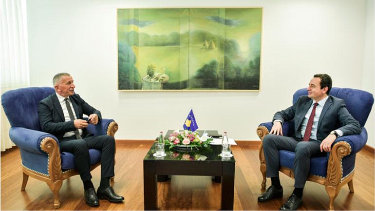 """Kryeministri Kurti takoi shefin e Grupit parlamentar të """"Luginës së Bashkuar-SDA"""", Shaip Kamberi"""