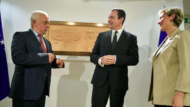 Kryeministri Kurti priti në takim kryetaren e Preshevës, Ardita Sinani dhe kryetarin e Bujanocit, Nagip Arifi