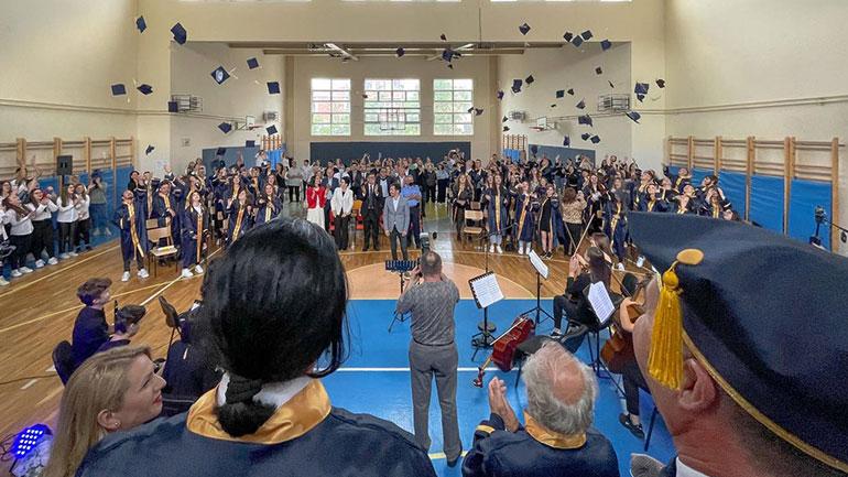 Diplomojnë maturantët e dy shkollave të Gjilanit