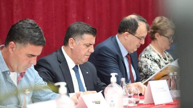 Në Gjilan u mbajt konferencë për menaxhimin e mësimit në kohë pandemie