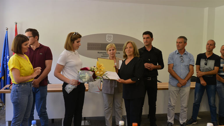 Pas 20 vitesh punë sistematike, pensionohen tre zyrtarët komunal Nexhmije Kallaba, Irfan Dërmaku dhe Nezaqete Klaiqi