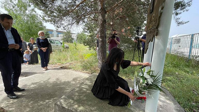 Komuna e Gjilanit nderon veprën heroike të Nezir Shurdhanit, në 22-vjetorin e rënies