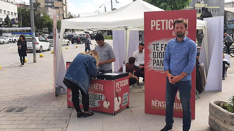 Nushi: Gjilanasit tejet të interesuar për ta nënshkruar peticionin për faljen e gjobave të pandemisë