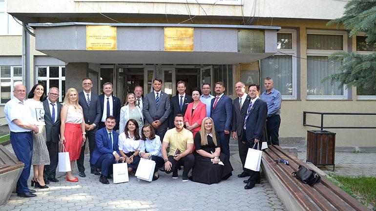 """Delegacioni gjermano – kosovar ka vizituar Universitetin Publik """"Kadri Zeka"""""""