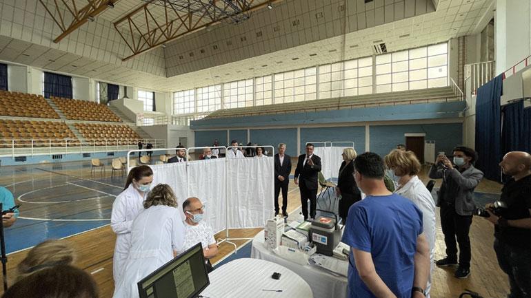 Në Ditën e Çlirimit, Gjilani fillon vaksinimin masiv kundër COVID-19