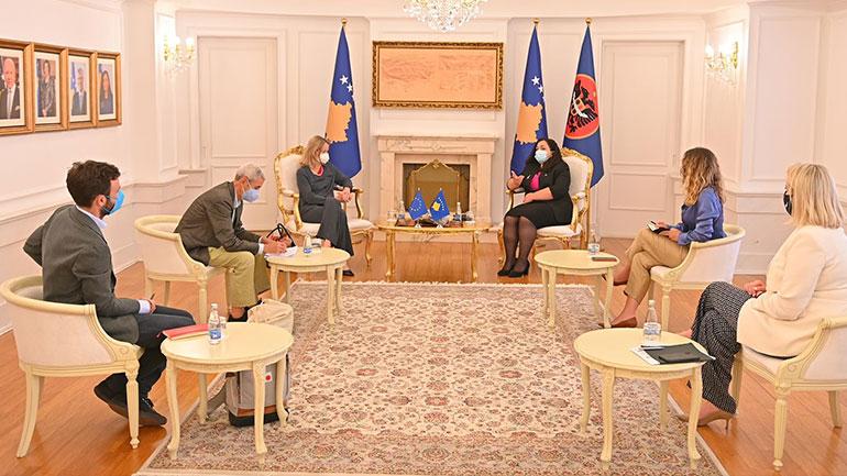 Presidentja Osmani priti në takim raportuesen për Kosovën në Parlamentin Evropian, Viola von Cramon – Taubadel