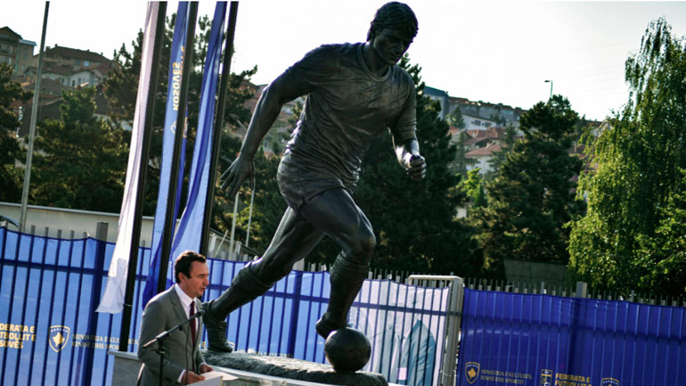 Kurti në përurimin e shtatores së Vokrrit:  Le të bëhet kjo shtatore vendtakim i sportistëve vendorë dhe pikë vizituese për ata ndërkombëtarë