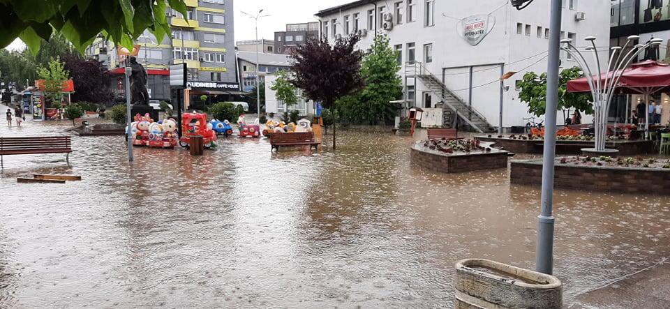 Kryetari Haziri aktivizon shtabin emergjent, pas reshjeve të mëdha të shiut në Gjilan