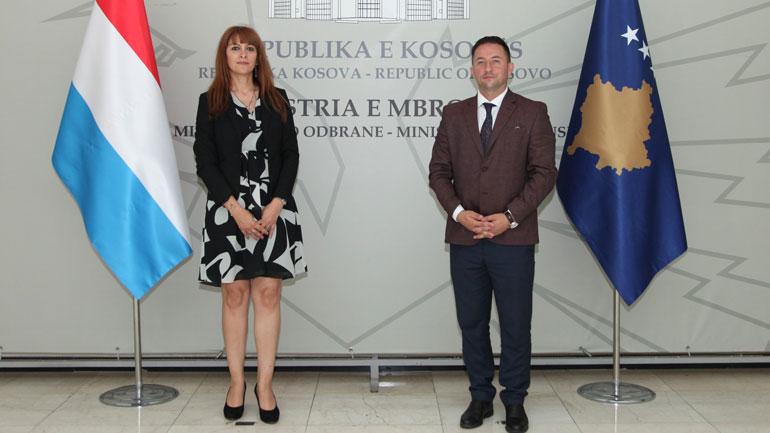 Ministri Mehaj priti në takim ambasadoren e Luksemburgut në Kosovë, znj. Natacha Gomes