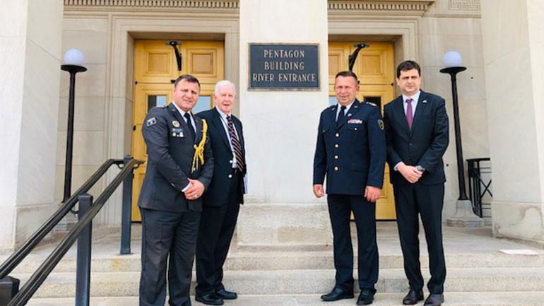 Gjeneral Rama pritet në Pentagon nga Shefi i Byrosë së Gardës Kombëtare të SHBA-së, Gjeneral Hokanson