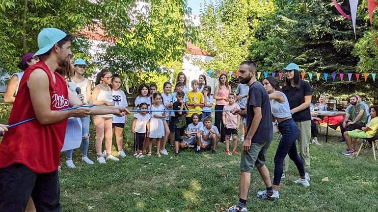 """Për nder të Ditës Ndërkombëtare të Rinisë, u organizuan aktivitete të ndryshme nga Qendra Rinore """"Fanar"""""""