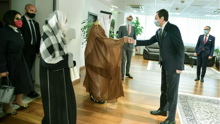 Kryeministri Kurti priti në takim delegacionin nga Emiratet e Bashkuara Arabe
