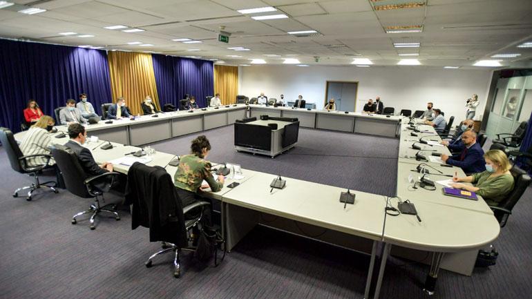 Kryeministri Kurti mori pjesë në takimin e parë të Komisionit Shtetëror për Rini