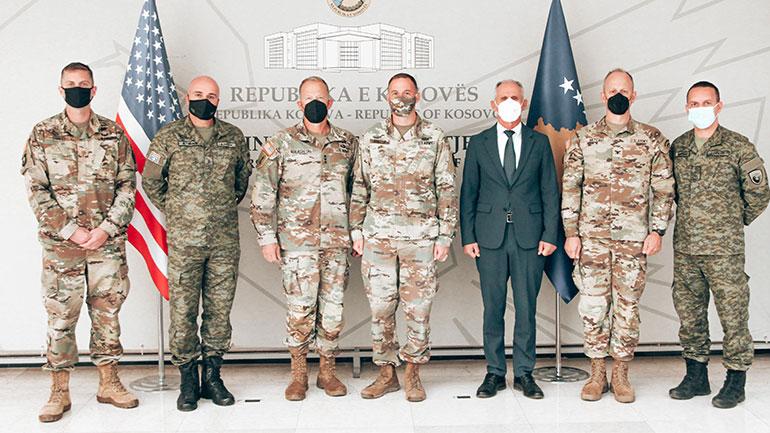 Zëvendësministri Syla priti në takim komandantin e Korpusit V të Ushtrisë Amerikane, gjenerallejtënant John Kolasheski